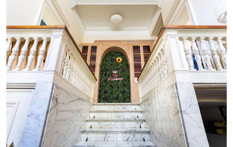 colive-coliving-collocation-maison-partagée-collocataires-Bruxelles-Chatelain-moderne-hall-entrée-maison-de-maitre-rénové-neuf-meublé