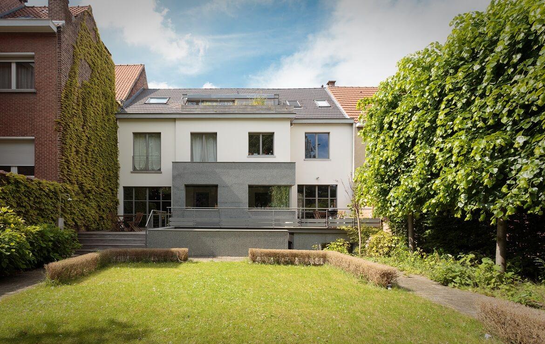 logo-colive-coliving-collocation-maison-partagée-collocataires-Bruxelles-Solbosch-centre-ville-avec-grand-jardin-et-terrasse-espace-vert