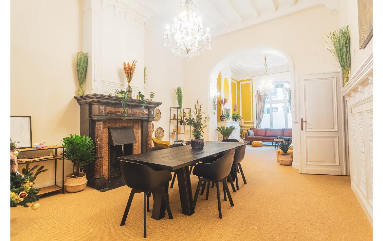 colive-coliving-collocation-maison-partagée-collocataires-Bruxelles-Janson-salle-à-manger-avec-salon-meublé