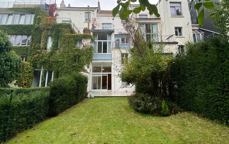 colive-coliving-collocation-maison-partagée-collocataires-Place-Stéphanie-grand-jardin-avec-terrasse