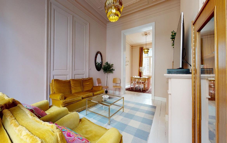 colive-coliving-collocation-maison-partagée-collocataires-Bruxelles-Flagey-grand-salon-meublé